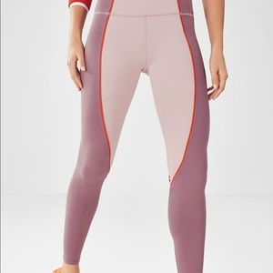 Fabletics salar statement powerhold leggings